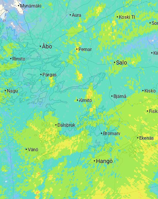 Nederbördsområden och blixtobservationer